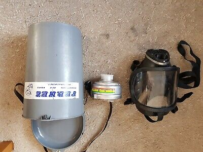 French Industrial respirator. Made by Fernez. Unused.