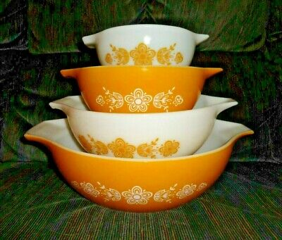 Vintage Pyrex Butterfly Gold 4pc Cinderella Nesting Mixing Bowl Set 441-444