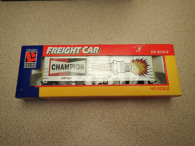Life Like Trains 8426 HO Gauge 50' Box Car Champion Looks Unused