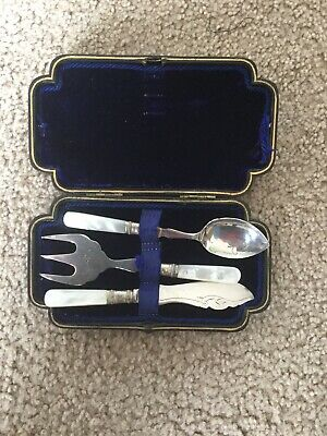 Antique Engraved EPNS Boxed Fruit Cutlery Set circ1900s Mother of Pearl handles