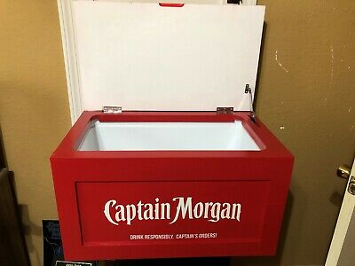 Cpt. Captain Morgan Cooler Ice Chest Brand New In Box Whiskey Rum Treasure Chest