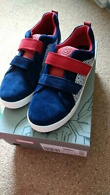 601d4135e Boys Clarks Suede City Hero Shoes Trainers Size 2G Captain America Brand  new box