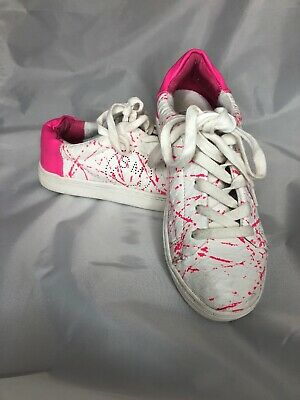 e185b9f2a72 Steve Madden Leather Coated Pink And White Splash Tennis Shoes Girls Size 4
