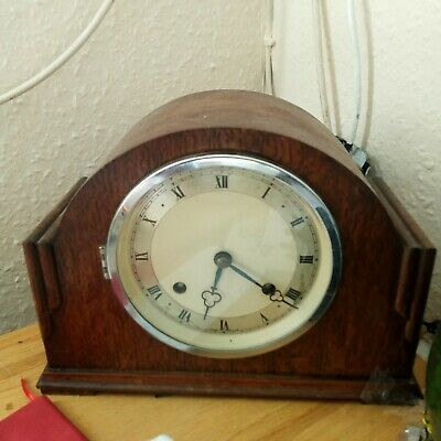 £4.99.mantel.clock.old clock.antique clock.smiths chiming clock.old wood clock.