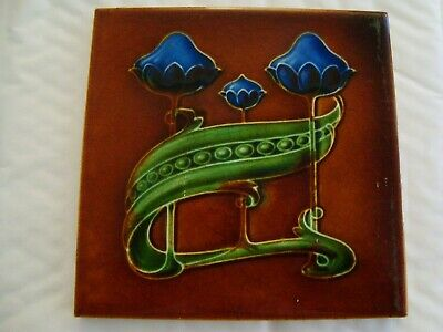 Charming Boote Art Nouveau floral and pea tile     20/32