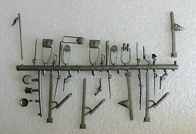 VINTAGE 1960's MARX BLUE GRAY CIVIL WAR ACCESSORIES ON SPRUE GUNS CANTEENS ETC.