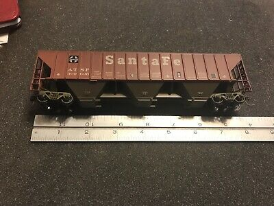 Vintage Athearn HO Model Train Covered 3 Bay Hopper Santa Fe ATSF 309698