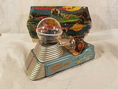 Space ship anni 50 Japan, Showa/Cragstan MOON CAR, battery operated.