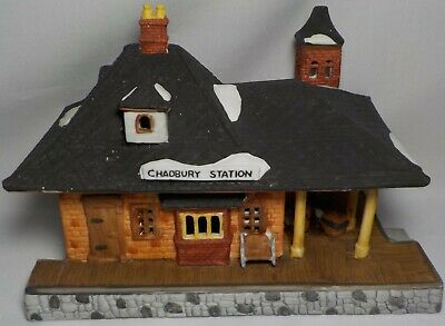 Department 56 Dickens Village Series Chadbury Station 1986 With Box Hand Painted