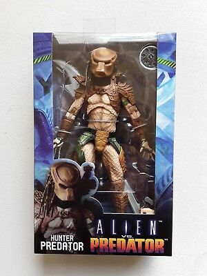 "NECA Alien vs Predator (Arcade) HUNTER PREDATOR 8"" action figure NEW U.S Seller*"