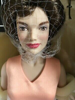 "Franklin Mint JACKIE KENNEDY 15"" Vinyl DOLL in Peach Dress Ensemble w/Stand NRFB"