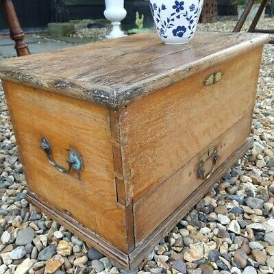 Gorgeous Little Georgian Oak Mule Chest Coffee Bedroom Bedside Table