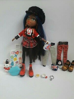 Bratz Study Abroad London Sasha Doll (+ extra outfit +shoes) & extra accessories