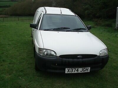 Ford Escort Van 55 D, Diesel, 2000 Reg, White, Rubber Load Mat, Dog Guard, 2 Key