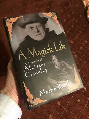 A Magick Life: A Biography of Aleister Crowley / Occultist - Aiwass - Hardback