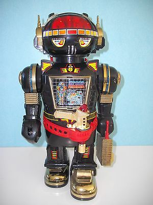 "robot ancien à piles (il fonctionne) ""cheng ching toy"" 1985"