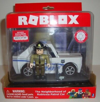 NEW ROBLOX FIGURES Roblox Heroes of Robloxia Feature Playset
