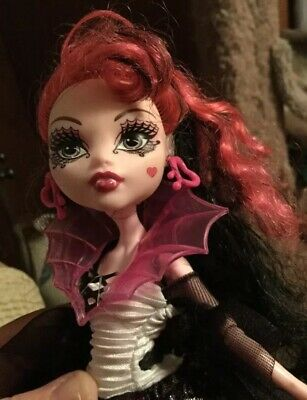 """monster high doll """"ghouls Rule"""" Draculaura W Outfit & Shoes"""