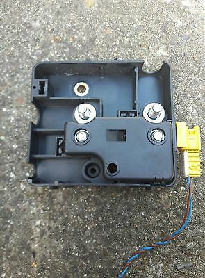 BMW E46 3 series positive battery terminal fuse box 8374986 / 61.13-8 374 986