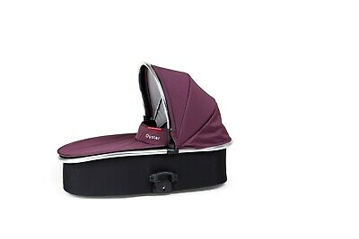 BRAND NEW Oyster Max Pram Carry cot / Bassinet - Vogue Damson