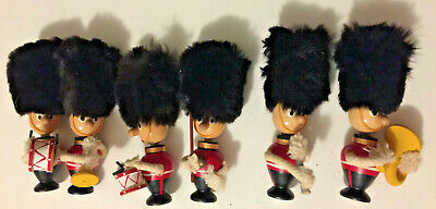 Vintage lot of 6 Buckingham Palace Royal guard figures marching band