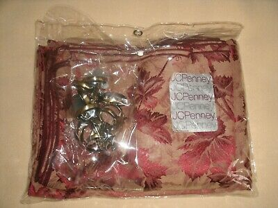 NWT JC PENNEY HOME COLLECTION 21 Piece Tablecloth Set with Napkins &Napkin Rings