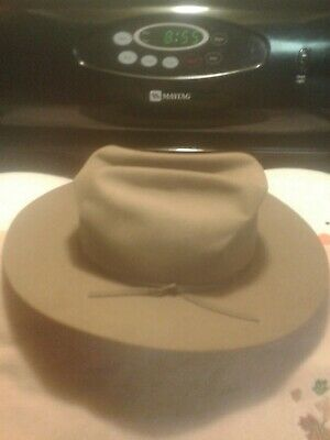 6cfcd724b926c VTG STETSON ROYAL DeLuxe St. Regis Size 7-1 4 and Hat Box Holmes New ...