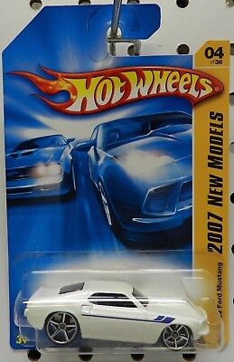 White 004 04 4 1969 69 2007 07 Mustang Ford Hot Wheels