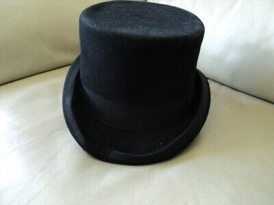 Vintage 100% Wool Black Top Hat I am not sure about the size but is 22x17cm