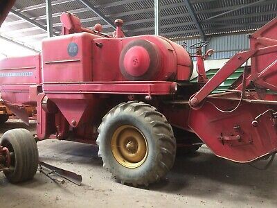 MASSEY FERGUSON 410 combine harvester 10 foot cut ,vgc,