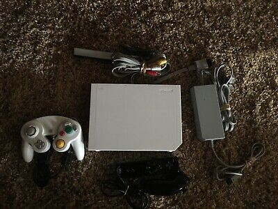 Nintendo Wii White Console Modded White Gamecube Compatible 16GB SD Card Loaded