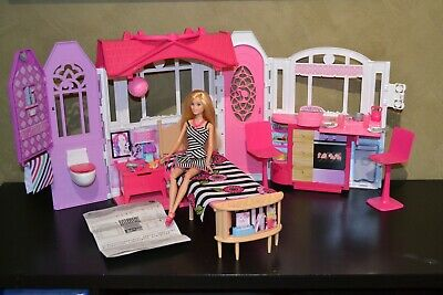 2017 Barbie Doll Fold Up Play House And Barbie Doll Ex Display