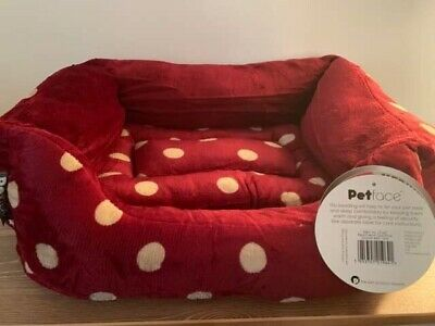 Petface Plush Dog Bed, Small, Red/Cream Dots Ideal For Puppy / Kitten