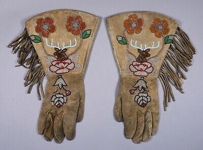 Pictorial Beaded Gauntlet Gloves / Native American Plateau-Plains / 1890-1920's