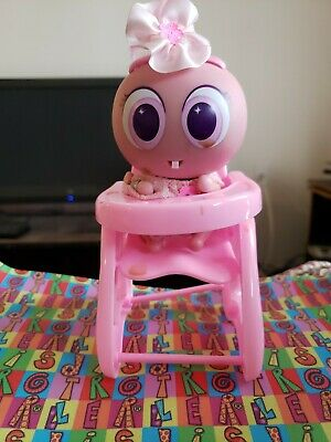 TO KEEP YOUR DISTROLLER NEONATE NERLIE BABY COMFY! DECK CHAIR OR HOUSE CHAIR!