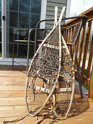 ANTIQUE AMERICAN PRIMITIVE WINTER WILDERNESS~WOODEN PAIR SNOWSHOES with WEBBING
