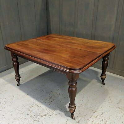 Mid Victorian Antique Mahogany Baluster Leg Dining Table