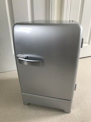 Traxon Silver Chrome Mini Fridge Cooler & Heater Model RF-1011-AC/DC 12V Camping