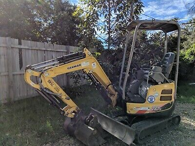 1 7T EXCAVATOR HIRE $200 Per Day - machine operators