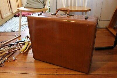 Large Vintage Samsonite Suitcase / Luggage with dividers and hangers