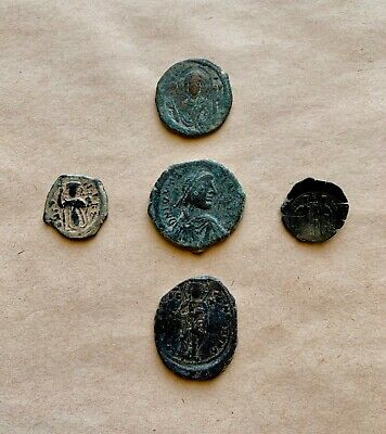 A Lot Of 5 Byzantine Coins  Of Different Types And Periods. Very Nice Pieces!