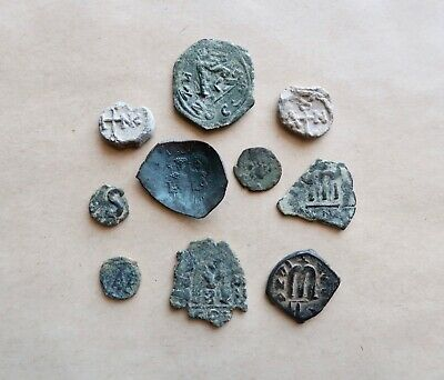 Nice Lot Of 8  Byzantine Bronze Coins And 2 Byzantine Seals To Be Catalogued