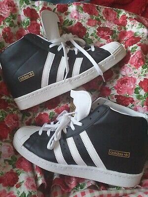 the latest 43540 404b8 Adidas Hi Top Superstar Wedge Trainers Monochrome Size 7.5 Sports Black    White