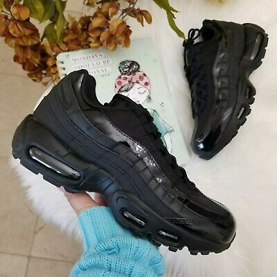 NIKE AIR MAX 95 Black Womens Leather Mesh Low top Sneakers