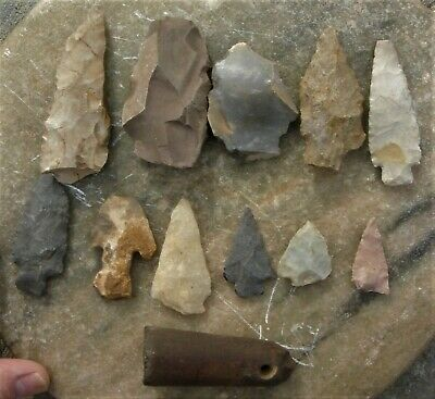 PIPE:  SANDSTONE TUBE-STYLE & 10 ARROWHEADS, Cahokia Region, Illinois