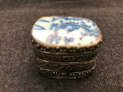 Antique CHINESE Blue & White Porcelain Shard in Silver Plated Trinket Pill Box 2