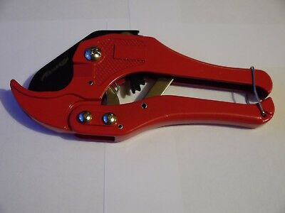 Ratchet Action 42 Mm Plastic Pipe Cutter , Plumbing Tool Pvc Water Tube Hose Cut