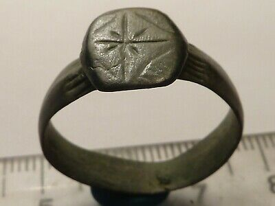 3794Ancient Roman bronze ring with a cross 21 mm