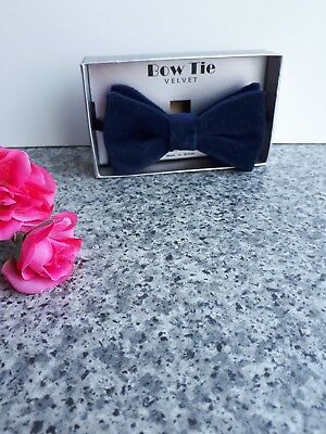 Vintage Retro Navy Blue Velvet Mens Bowtie 1970s Boxed