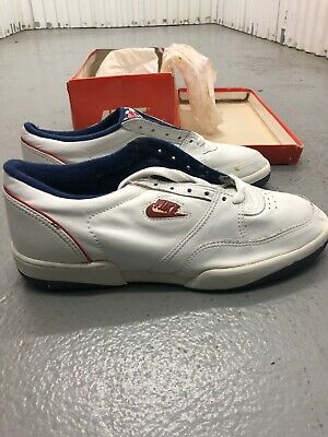 check out 0409f e76f6 Men 11 US Nike Tennis Classic Vintage 70s 80s